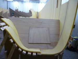 Mold at the stern to create right curves for the hull